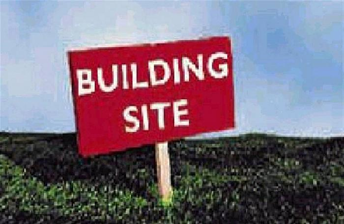 Site  with approximately 4 acres @ Crosshill Road