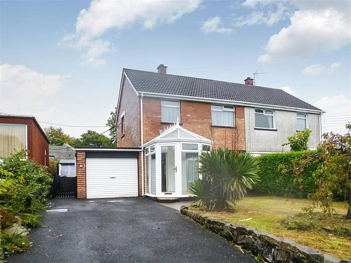 7 Upper Cairncastle Road, Larne