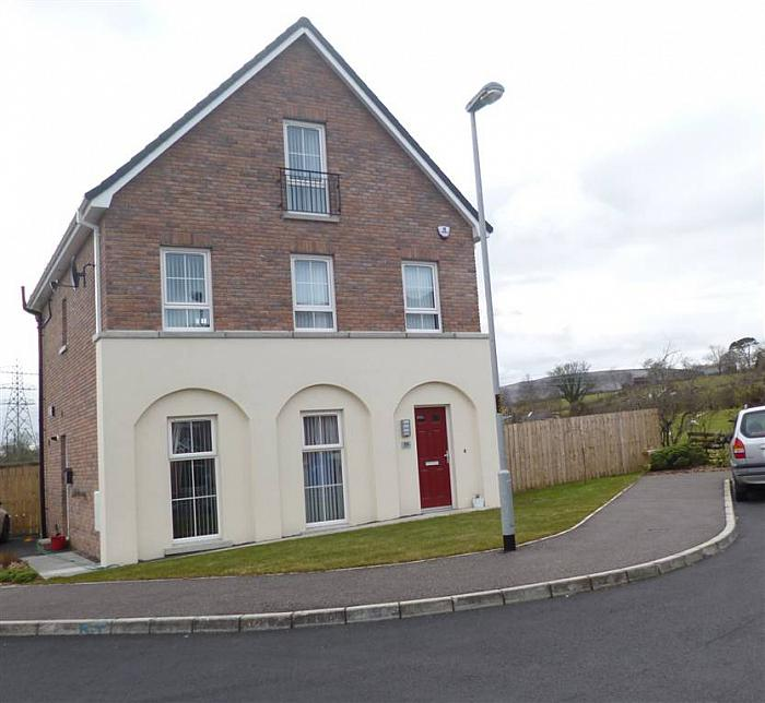 18 Hampton Place, Larne
