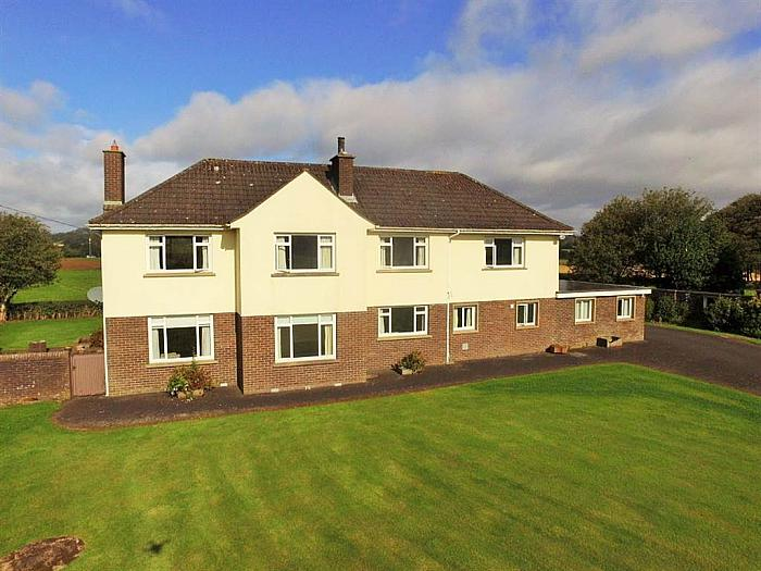 16 Old Ballyclare Road, Templepatrick