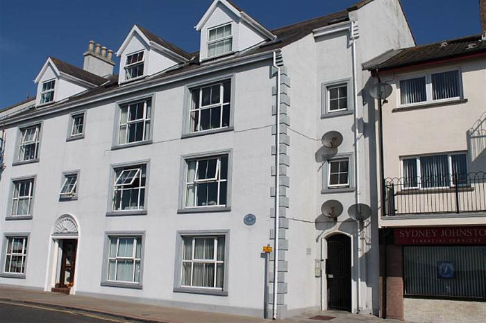 6 Quay Court, CARRICKFERGUS