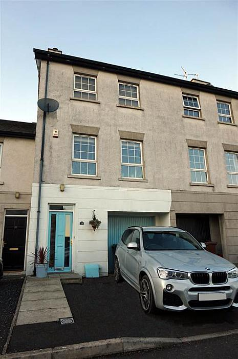 28 Old Shore Court, Carrickfergus